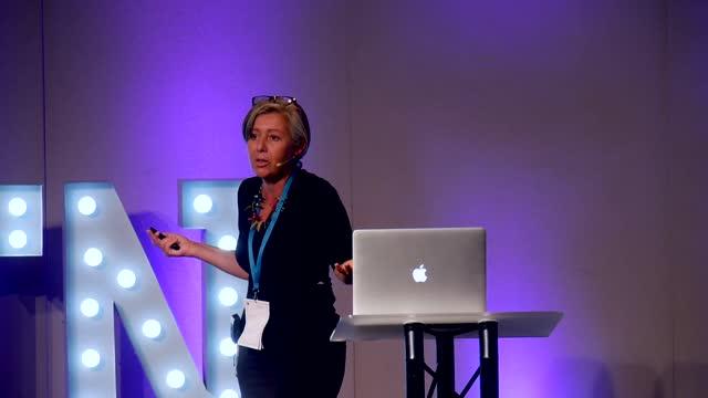 Piccia Neri on stage at WordCamp Brighton 2018